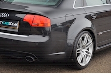 Audi RS4 RS4 4.2 Saloon 4dr Petrol Manual quattro (324 g/km, 415 bhp) 4.2 4dr Saloon Manual Petrol - Thumb 20