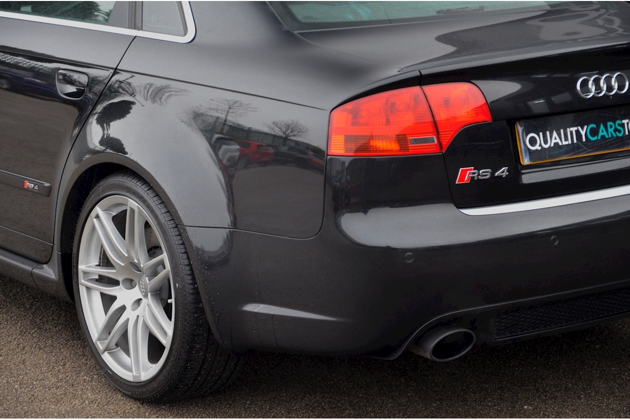 Audi RS4 RS4 4.2 Saloon 4dr Petrol Manual quattro (324 g/km, 415 bhp) 4.2 4dr Saloon Manual Petrol - Large 34