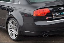 Audi RS4 RS4 4.2 Saloon 4dr Petrol Manual quattro (324 g/km, 415 bhp) 4.2 4dr Saloon Manual Petrol - Thumb 34