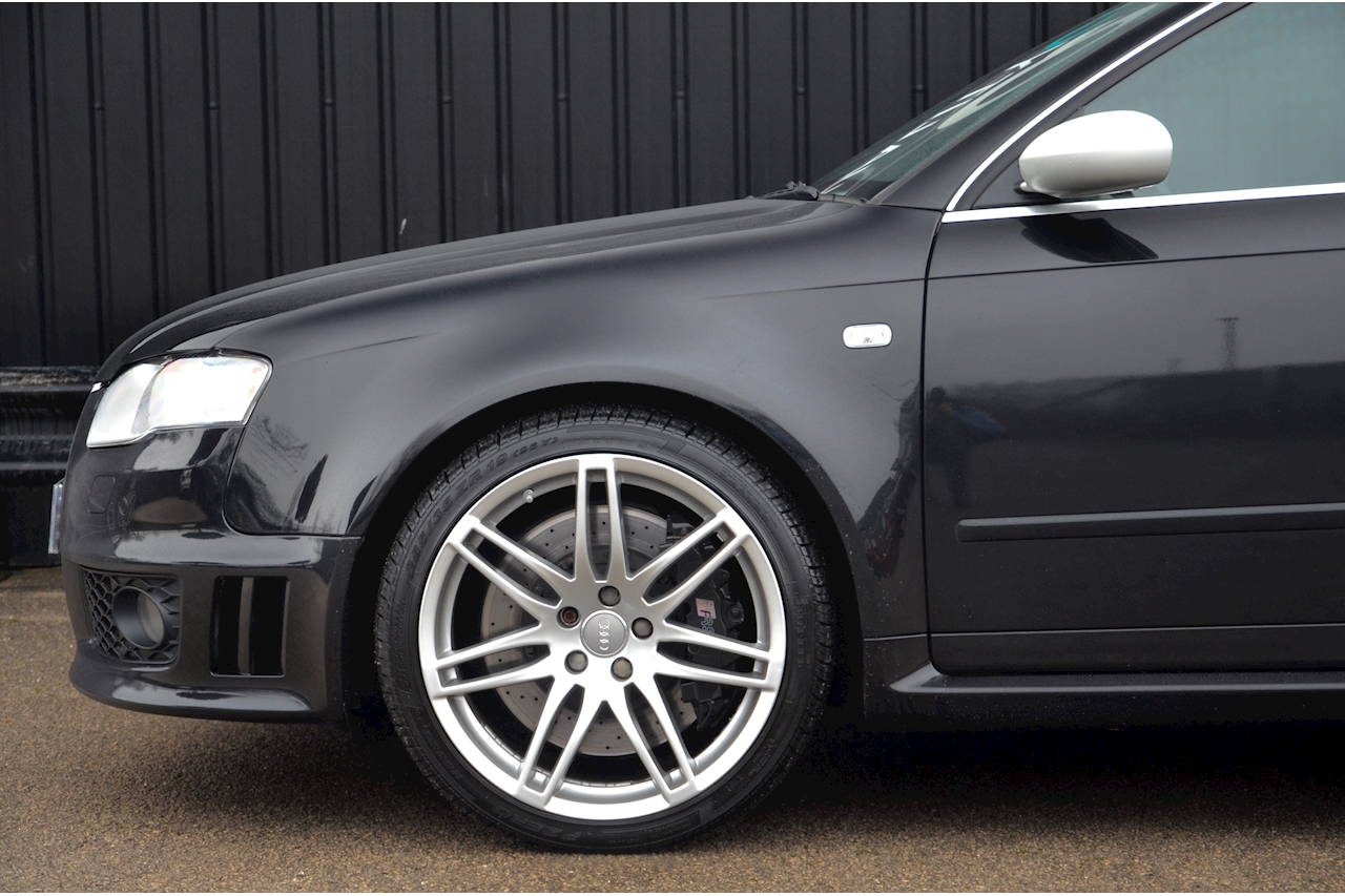 Audi RS4 RS4 4.2 Saloon 4dr Petrol Manual quattro (324 g/km, 415 bhp) 4.2 4dr Saloon Manual Petrol - Large 32