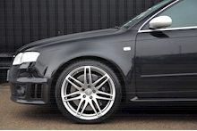 Audi RS4 RS4 4.2 Saloon 4dr Petrol Manual quattro (324 g/km, 415 bhp) 4.2 4dr Saloon Manual Petrol - Thumb 32