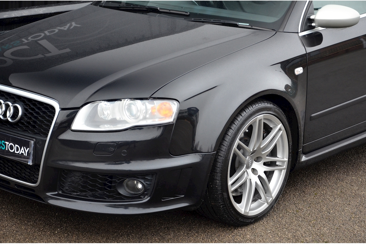 Audi RS4 RS4 4.2 Saloon 4dr Petrol Manual quattro (324 g/km, 415 bhp) 4.2 4dr Saloon Manual Petrol - Large 31
