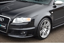 Audi RS4 RS4 4.2 Saloon 4dr Petrol Manual quattro (324 g/km, 415 bhp) 4.2 4dr Saloon Manual Petrol - Thumb 31