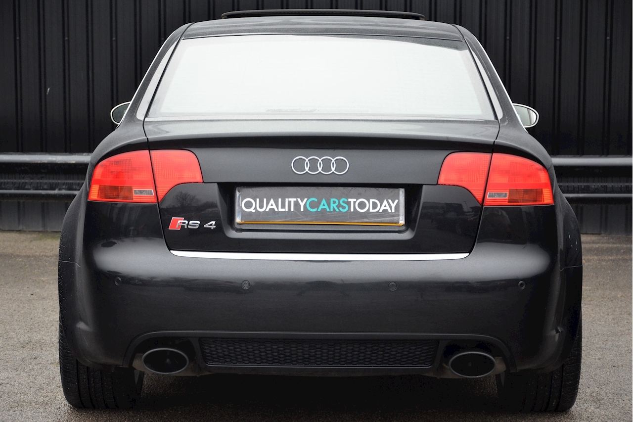 Audi RS4 RS4 4.2 Saloon 4dr Petrol Manual quattro (324 g/km, 415 bhp) 4.2 4dr Saloon Manual Petrol - Large 4