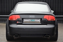 Audi RS4 RS4 4.2 Saloon 4dr Petrol Manual quattro (324 g/km, 415 bhp) 4.2 4dr Saloon Manual Petrol - Thumb 4