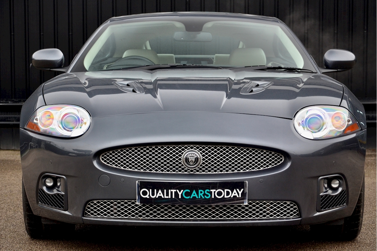 Jaguar XKR Just 26k Miles + 2 Former Keepers + 11 Services + Outstanding - Large 3