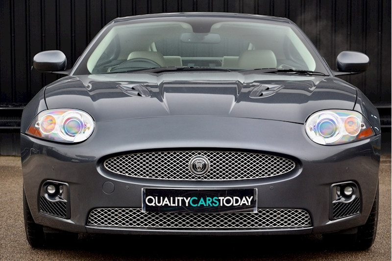 Jaguar XKR Just 26k Miles + 2 Former Keepers + 11 Services + Outstanding Image 3