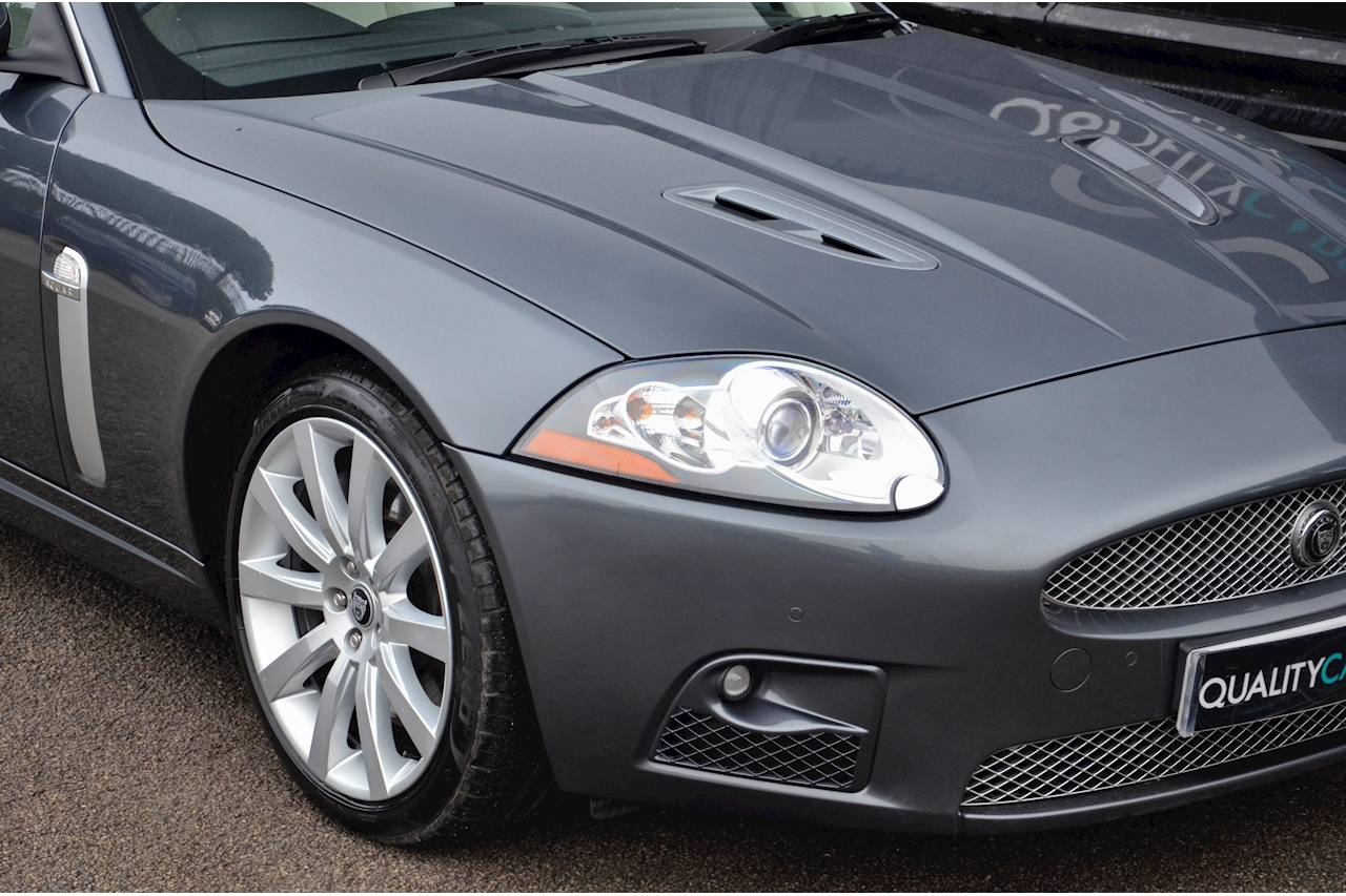 Jaguar XKR Just 26k Miles + 2 Former Keepers + 11 Services + Outstanding - Large 16