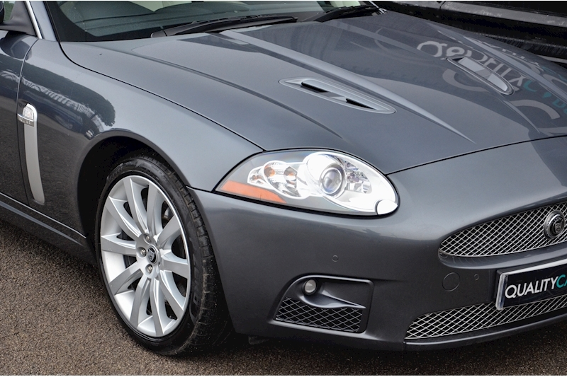 Jaguar XKR Just 26k Miles + 2 Former Keepers + 11 Services + Outstanding Image 16