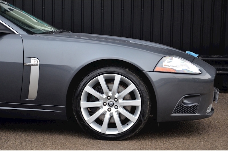 Jaguar XKR Just 26k Miles + 2 Former Keepers + 11 Services + Outstanding Image 17