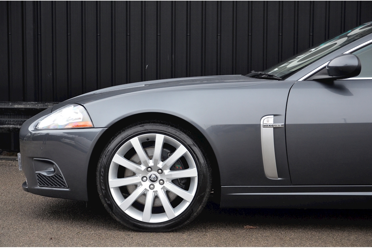 Jaguar XKR Just 26k Miles + 2 Former Keepers + 11 Services + Outstanding - Large 19