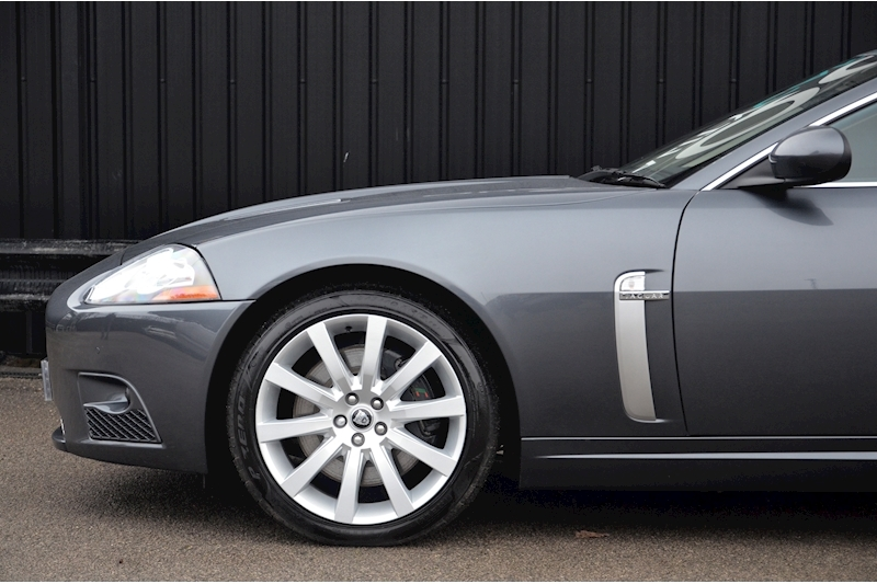 Jaguar XKR Just 26k Miles + 2 Former Keepers + 11 Services + Outstanding Image 19