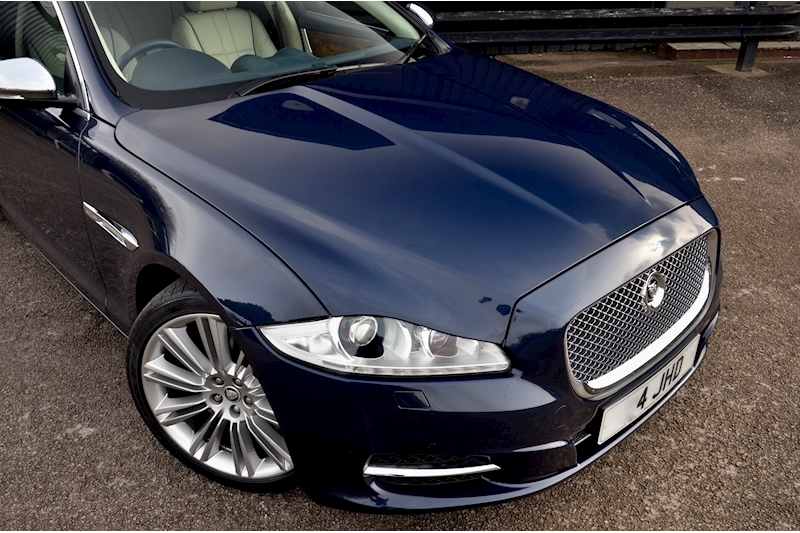 Jaguar XJ Portfolio 1 Owner + FSH + Huge Spec + Rear Entertainment Image 9