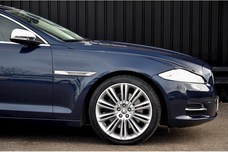 Jaguar XJ Portfolio 1 Owner + FSH + Huge Spec + Rear Entertainment Image 12