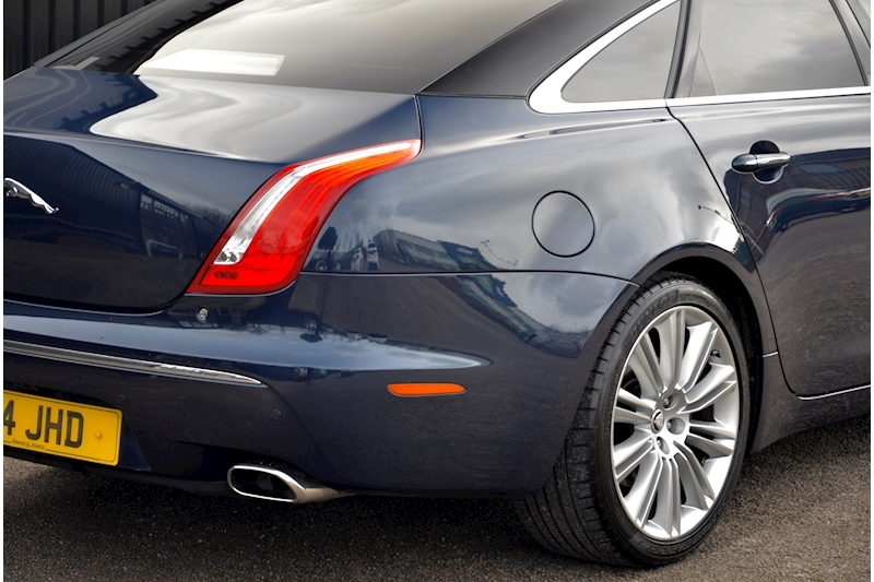Jaguar XJ Portfolio 1 Owner + FSH + Huge Spec + Rear Entertainment Image 10
