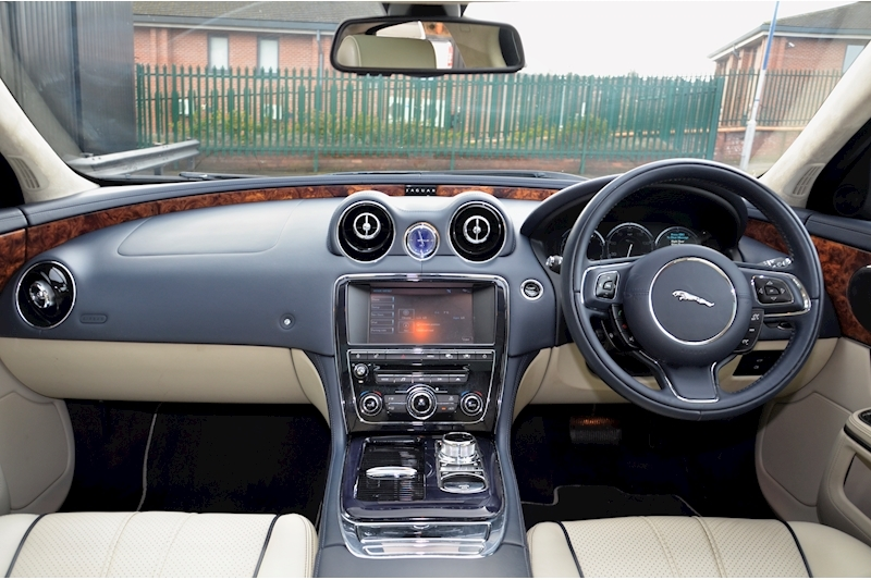 Jaguar XJ Portfolio 1 Owner + FSH + Huge Spec + Rear Entertainment Image 27