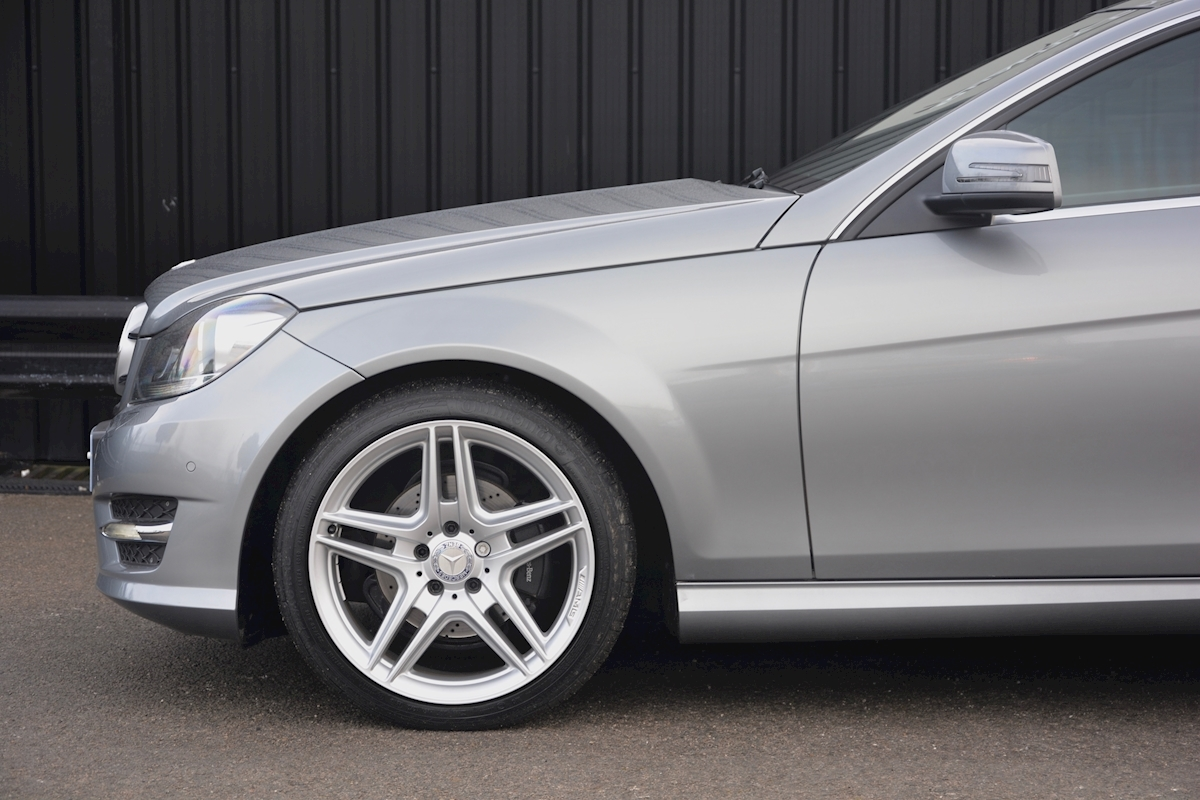 Mercedes C220 CDI AMG Sport Coupe *1 Former Keeper + Massive Specification* - Large 15