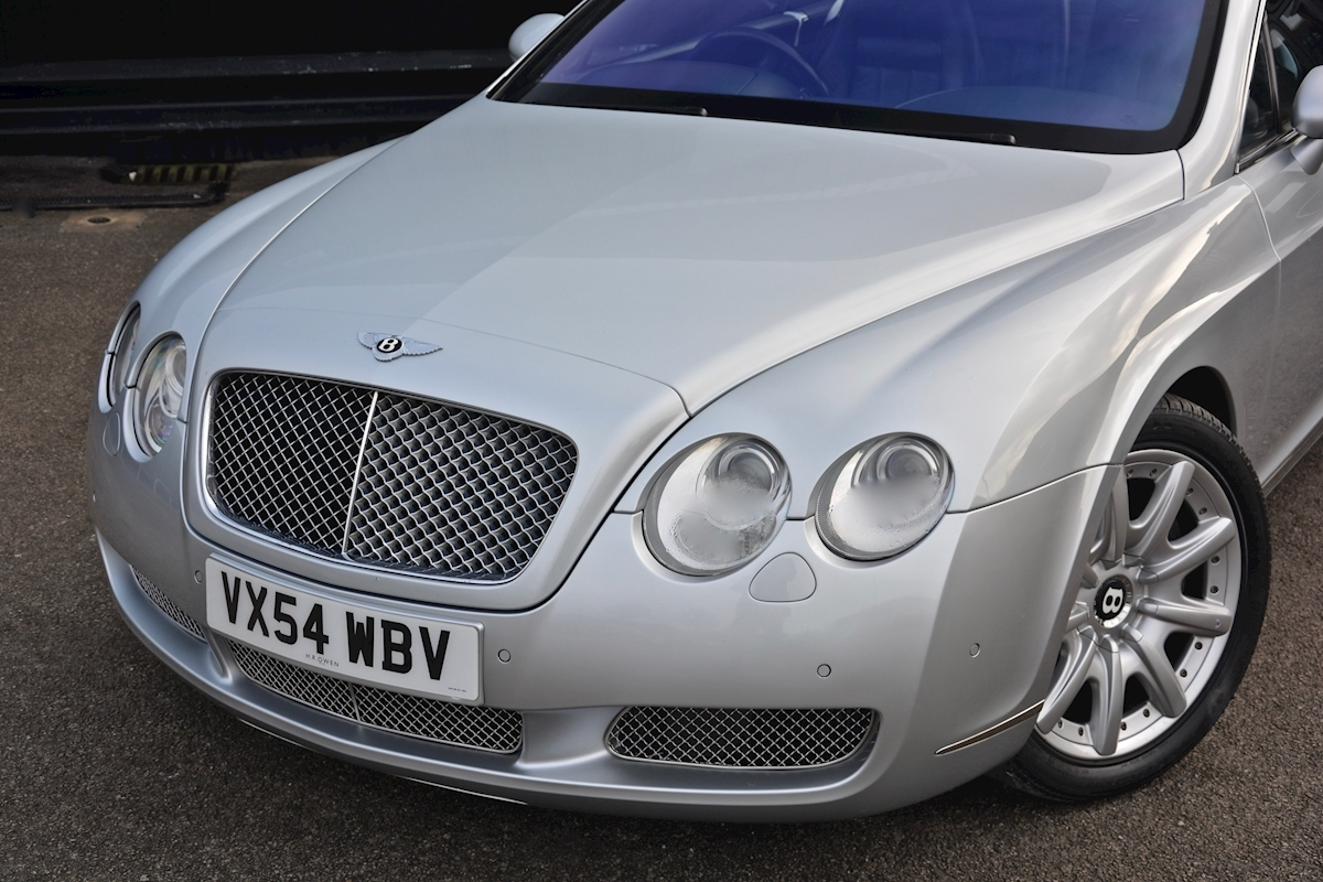 Bentley Continental GT 6.0 W12 *12 Bentley Main Dealer Stamps* - Large 12