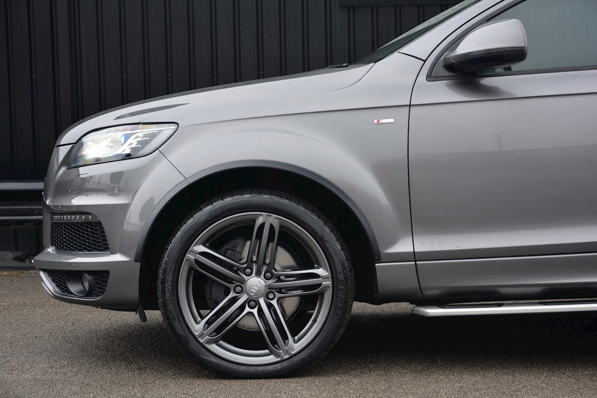 Audi Q7 3.0 TDI S-Line quattro 1 Former Keeper + Full Audi Main Dealer History + High Spec - Large 12