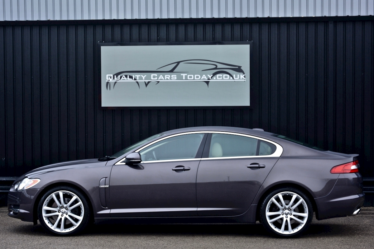 Jaguar Xf S 3.0 V6 Premium Luxury 270 bhp Massive Specification + Enthusiast Owned - Large 1