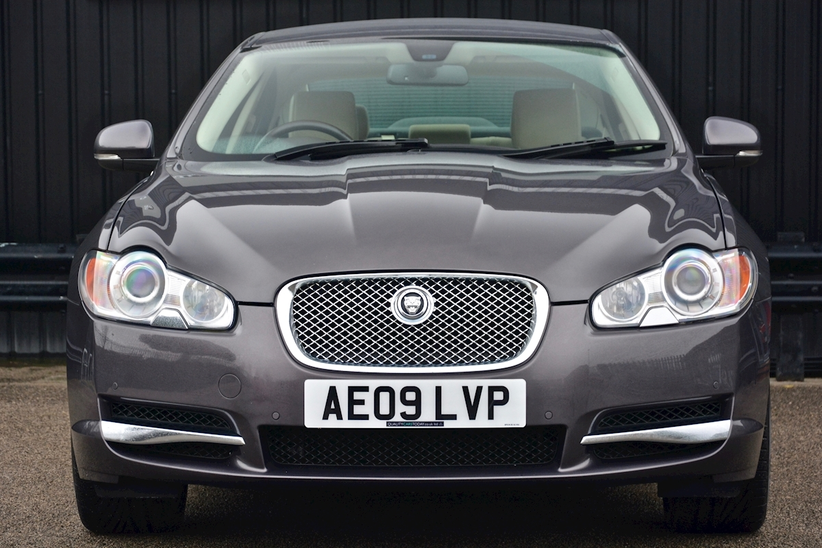 Jaguar Xf S 3.0 V6 Premium Luxury 270 bhp Massive Specification + Enthusiast Owned - Large 3