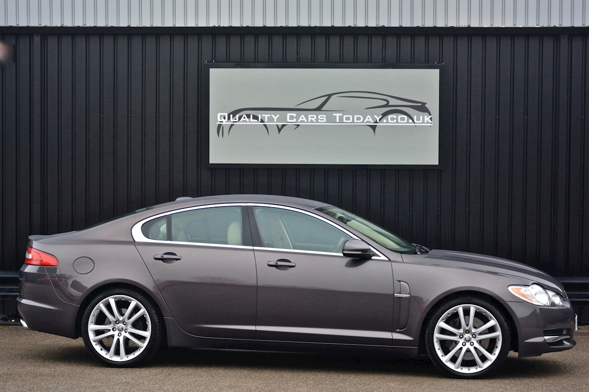 Jaguar Xf S 3.0 V6 Premium Luxury 270 bhp Massive Specification + Enthusiast Owned - Large 8