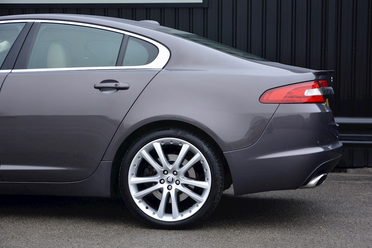 Jaguar Xf S 3.0 V6 Premium Luxury 270 bhp Massive Specification + Enthusiast Owned - Large 19
