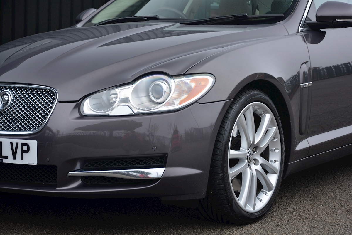 Jaguar Xf S 3.0 V6 Premium Luxury 270 bhp Massive Specification + Enthusiast Owned - Large 17