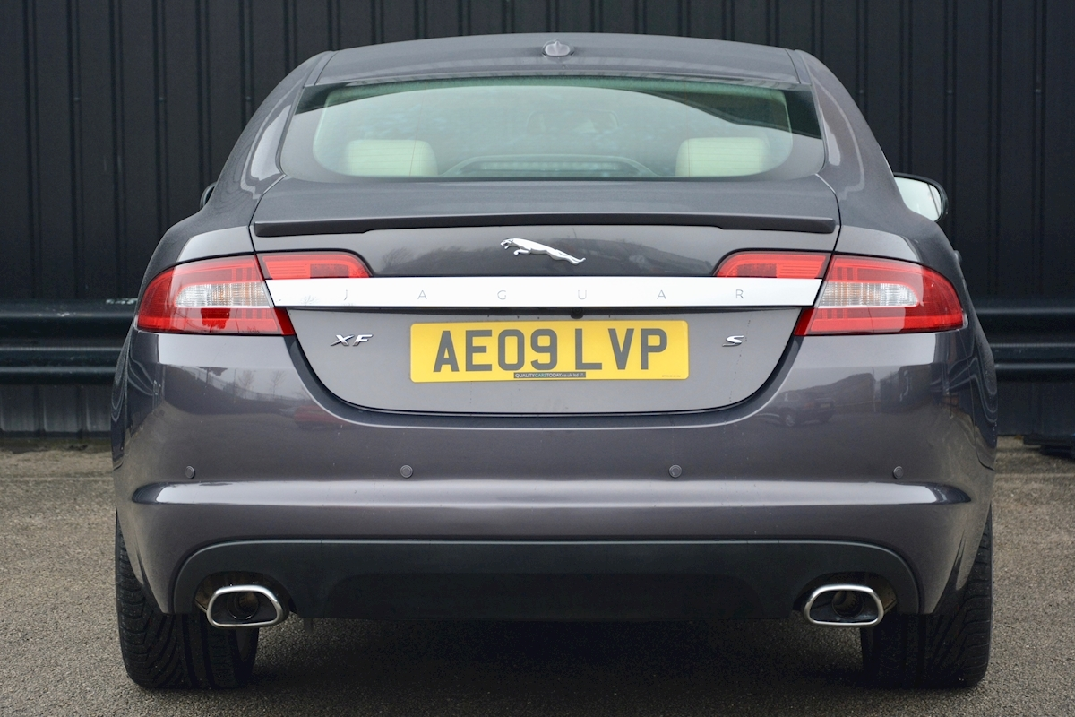 Jaguar Xf S 3.0 V6 Premium Luxury 270 bhp Massive Specification + Enthusiast Owned - Large 4
