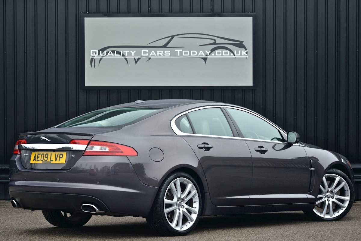 Jaguar Xf S 3.0 V6 Premium Luxury 270 bhp Massive Specification + Enthusiast Owned - Large 10