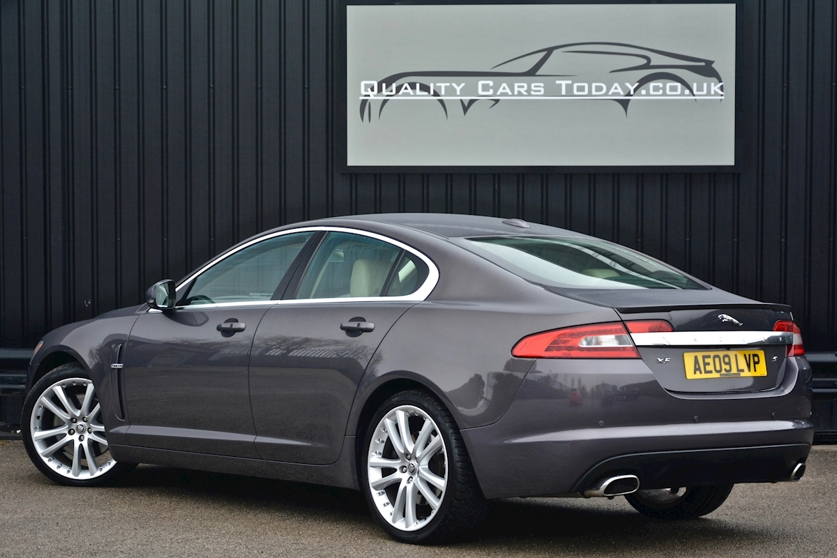 Jaguar Xf S 3.0 V6 Premium Luxury 270 bhp Massive Specification + Enthusiast Owned - Large 9