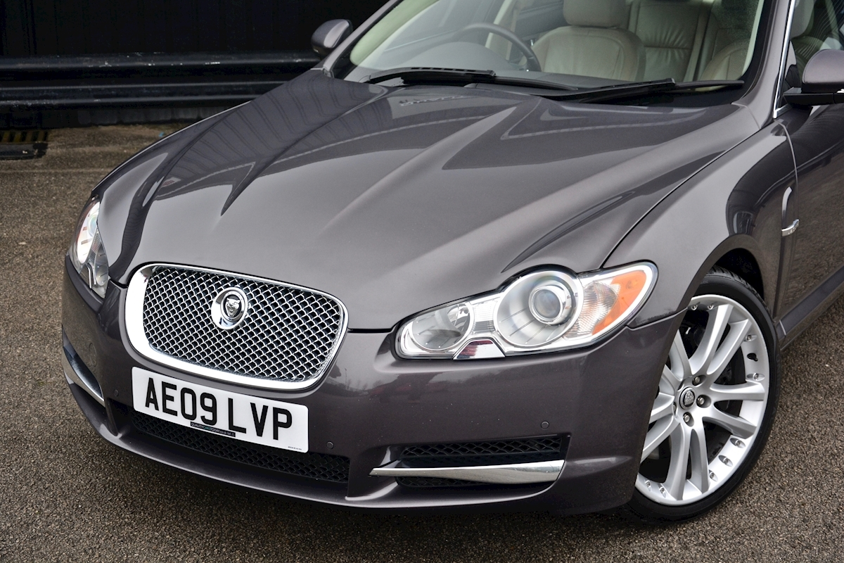 Jaguar Xf S 3.0 V6 Premium Luxury 270 bhp Massive Specification + Enthusiast Owned - Large 12