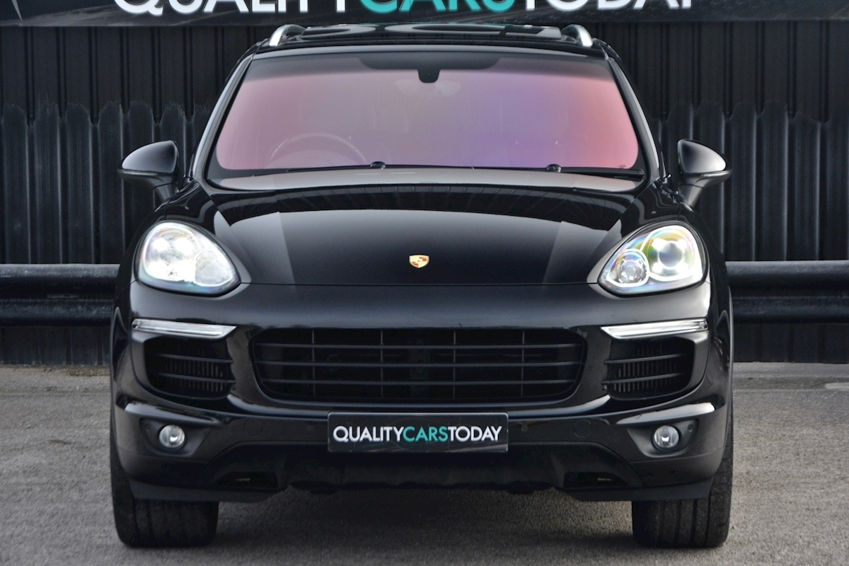 Porsche Cayenne 3.0 V6 Diesel Panoramic Roof + Air Suspension + BOSE + Turbo Wheels - Large 3