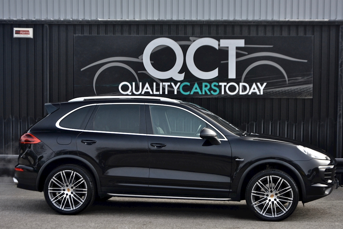 Porsche Cayenne 3.0 V6 Diesel Panoramic Roof + Air Suspension + BOSE + Turbo Wheels - Large 6