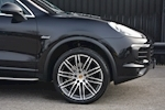 Porsche Cayenne 3.0 V6 Diesel Panoramic Roof + Air Suspension + BOSE + Turbo Wheels - Thumb 11