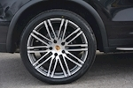 Porsche Cayenne 3.0 V6 Diesel Panoramic Roof + Air Suspension + BOSE + Turbo Wheels - Thumb 27