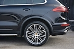 Porsche Cayenne 3.0 V6 Diesel Panoramic Roof + Air Suspension + BOSE + Turbo Wheels - Thumb 22