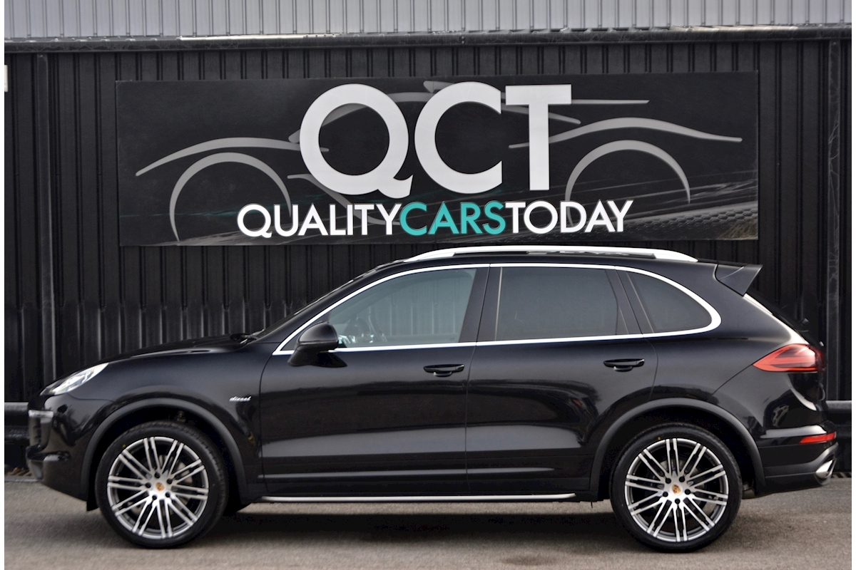Porsche Cayenne 3.0 V6 Diesel Panoramic Roof + Air Suspension + BOSE + Turbo Wheels - Large 1