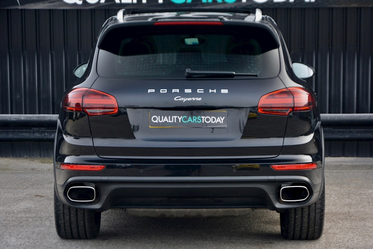 Porsche Cayenne 3.0 V6 Diesel Panoramic Roof + Air Suspension + BOSE + Turbo Wheels - Large 4
