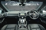 Porsche Cayenne 3.0 V6 Diesel Panoramic Roof + Air Suspension + BOSE + Turbo Wheels - Thumb 46