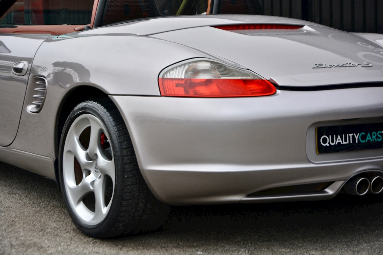Porsche Boxster 3.2 S Manual 14 Porsche Main Dealer Stamps + Ultra Rare - Large 28