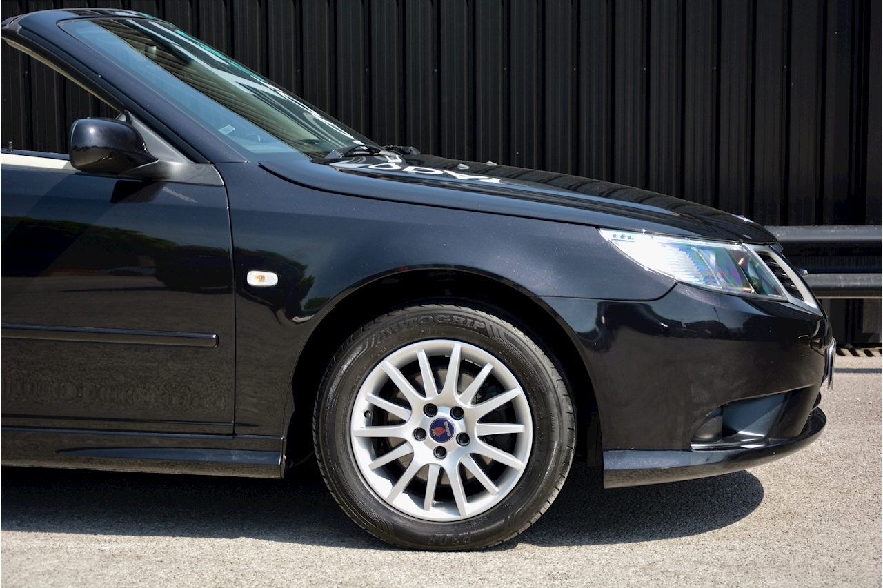 Saab 9-3 Convertible 1.9 TTID Automatic 1 Former Keeper  + Just 35k Miles + Pristine - Large 13