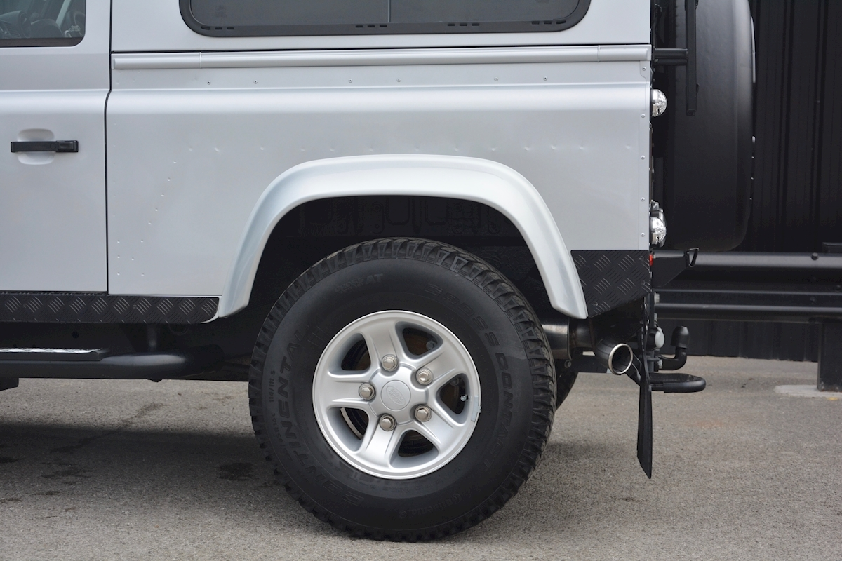Land Rover Defender 90 XS Just 588 miles + Incredible Opportunity - Large 9