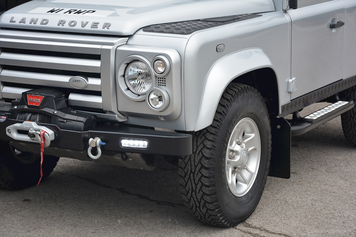 Land Rover Defender 90 XS Just 588 miles + Incredible Opportunity - Large 7