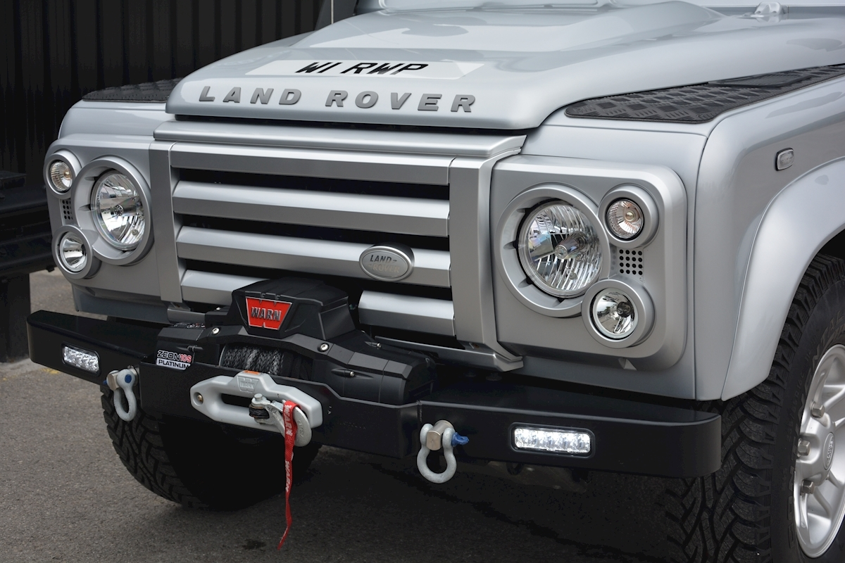 Land Rover Defender 90 XS Just 588 miles + Incredible Opportunity - Large 6