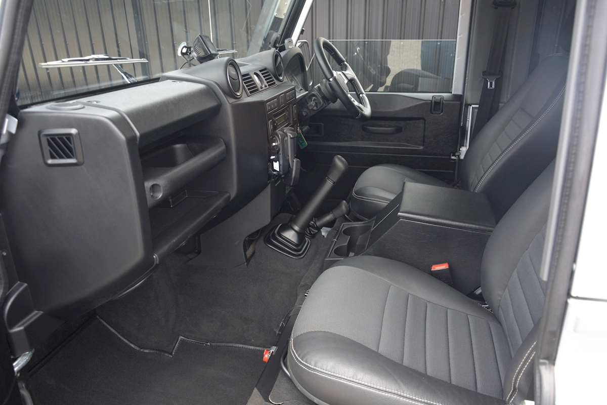 Land Rover Defender 90 XS Just 588 miles + Incredible Opportunity - Large 2