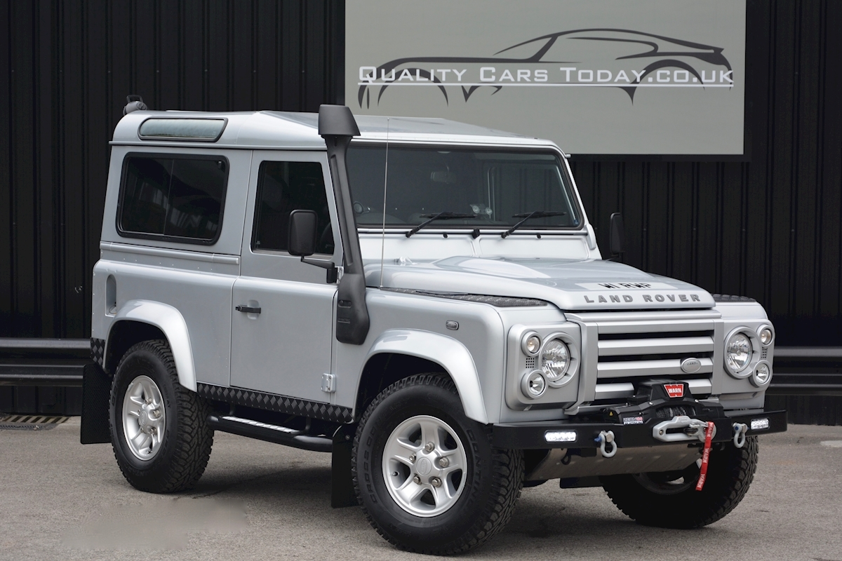 used land rover defender 90 xs defender 90 xs just 590 miles from new special 2 4 light 4x4. Black Bedroom Furniture Sets. Home Design Ideas