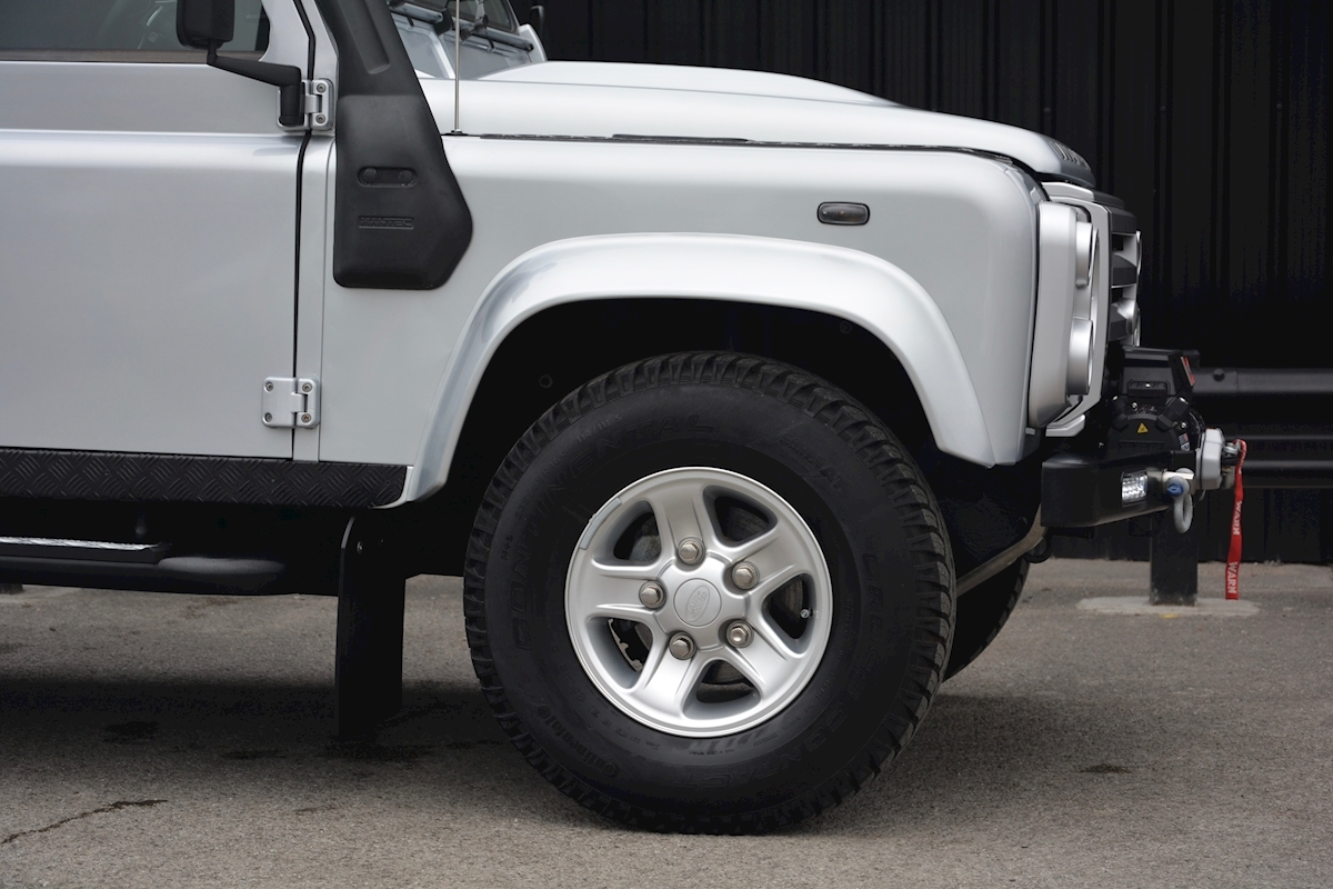 Land Rover Defender 90 XS Just 588 miles + Incredible Opportunity - Large 13