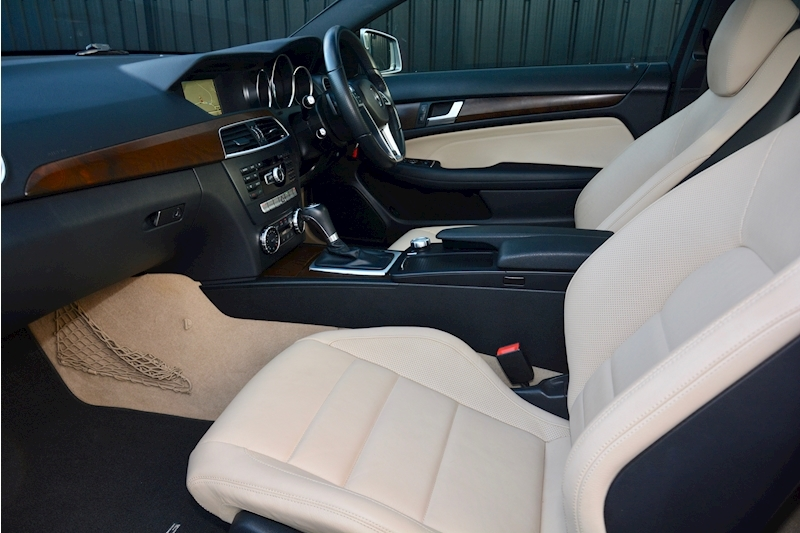 Mercedes-Benz C Class Panoramic Roof + Rare Spec + Full History Image 2