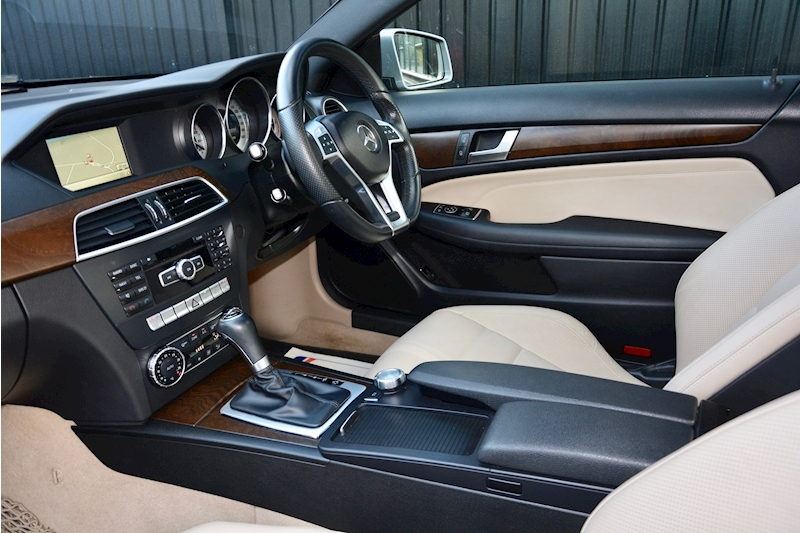 Mercedes-Benz C Class Panoramic Roof + Rare Spec + Full History Image 7